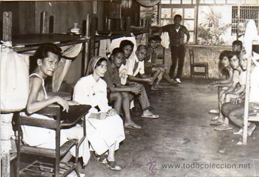 FOTO TAMAÑO POSTAL. ENFERMERIA. PRISION CARCEL. MANILA. FILIPINAS. SINGER. (Postales - Postales Extranjero - Asia)