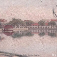 Postales: POSTAL ASIA-1028 CEYLON : VIEW OF QUEEN'S HOTEL FROM ACROSS THE LAKE. ICF 1899/10. Lote 64497135