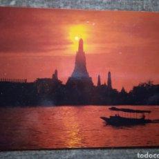 Postales: POSTAL TAILANDIA- A SILHOUETTE IF WAT ARUN AT TWILIGHT, BANGKOK. SIN CIRCULAR.. Lote 262496815