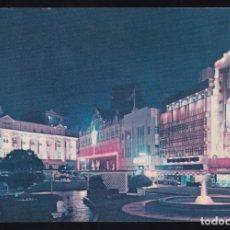 Postales: SINGAPUR. *NIGHT SCENE OF RAFFLES PLACE...* CIRCULADA 1970.. Lote 270599188