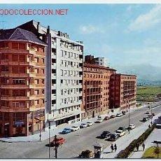 Postales: OVIEDO. ASTURIAS. CALLE CALVO SOTELO. HOTEL RAMIRO I. ED. ALARDE Nº 30. Lote 1916523
