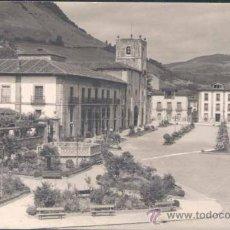 Postales: PRAVIA (ASTURIAS).- PLAZA. DE LA COLEGIATA- FOTOGRAFÍA DE LABORATORIOS FOTOGRÁFICOS PIRE. Lote 23719264