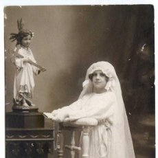 Postales: NIÑA DE PRIMERA COMUNIÓN 1922. FOTO CÁNDIDO. LLANES. POSTAL FOTOGRÁFICA. Lote 32395002