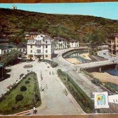 Postales: ANTIGUA FOTO POSTAL DE LUARCA - ASTURIAS - PARQUE Y AYUNTAMIENTO - NO CIRCULADA.. Lote 38250472