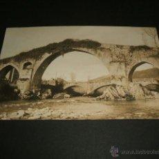 Postales: CANGAS DE ONIS ASTURIAS PUENTE ROMANO POSTAL FOTOGRAFICA CELESTINO COLLADA LIBRERIA OVIEDO. Lote 41164671