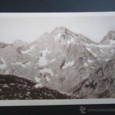 Postales: POSTAL ASTURIAS. PANORAMA DESDE EL COLLADO DE LA GARGANTADA HACIA EL JOU SIN TIERRE. . Lote 41789762