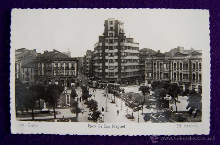 POSTAL DE GIJON (ASTURIAS). Nº106 PLAZA DE SAN MIGUEL. EDIC ARRIBAS. AÑOS 50. (Postales - España - Asturias Moderna (desde 1.940))