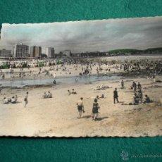 Postales: ASTURIAS GIJON PLAYA ANTIGUA POSTAL FOTOGRAFICA COLOREADA CIRCULADA 1958 ANIMADA. Lote 48380380