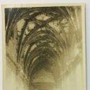 Postales: OVIEDO. CLAUSTRO DE SAN VICENTE. POSTAL FOTOGRÁFICA (CELESTINO COLLADA). CIRCULADA EN 1925. . Lote 53551750