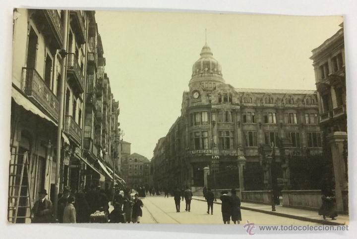 OVIEDO. CALLE DE FRUELA. POSTAL FOTOGRÁFICA (CELESTINO COLLADA). CIRCULADA EN 1926 (Postales - España - Asturias Antigua (hasta 1.939))