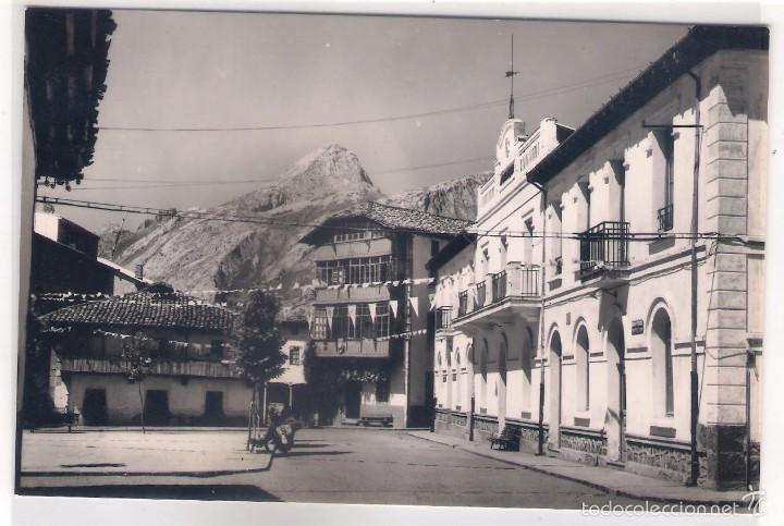 POSTAL DE RIAÑO ,PLAZA DEL AYUNTAMIENTO . (Postales - España - Asturias Moderna (desde 1.940))