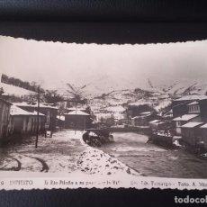 Postales: FOTO POSTAL DE INFIESTO, ASTURIAS, N. 9, EL RIO PILOÑA A SU PASO PORLA VILLA, ED LIBRERIA TAMARGO, F. Lote 72603083