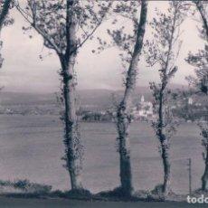Postales: POSTAL CASTROPOL.- ASPECTO DESDE RIBADEO. FOTO J.F.C. CIRCULADA. Lote 74788711