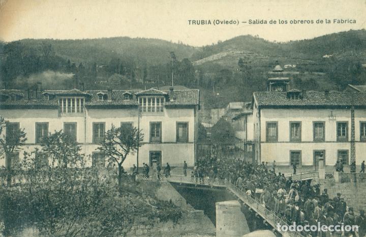 TRUBIA OVIEDO SALIDA DE LOS OBREROS DE LA FABRICA DE ARMAS. AÑO 1913. (Postales - España - Asturias Antigua (hasta 1.939))