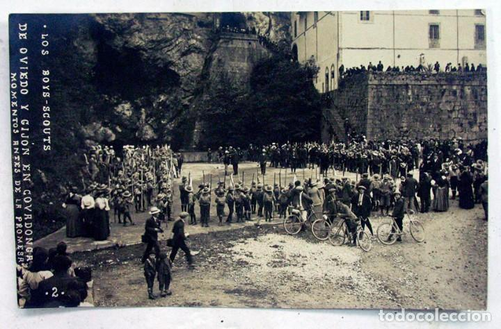 LOS BOYS SCOUTS DE GIJON Y OVIEDO EN COVADONGA. ASTURIAS. MOMENTO DE LA PROMESA (Postales - España - Asturias Antigua (hasta 1.939))