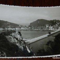 Postales: FOTOGRAFÍA DE RIBADESELLA. ASTURIAS. FOTOGRAFO JESUS HEVIA. CON MATASELLO EN ROJO DEL FOTÓGRAFO EN E. Lote 133610074