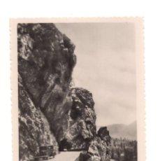 Postales: CANGAS DE ONIS (ASTURIAS).- CARRETERA DE EL PONTÓN . Lote 141834778