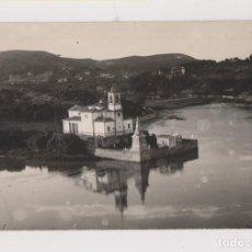Postales: POSTAL FOTOGRÁFICA. IGLESIA PARROQUIAL DE BARRO. LLANES. ASTURIAS. Lote 143005854