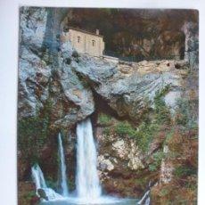 Postales: POSTAL. 1. COVADONGA. GRUTA DE LA VIRGEN Y CASCADA. ED. SICILIA. CIRCULADA EN 1968.. Lote 143302050