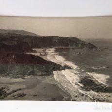 Cartes Postales: MUROS DE NALON (ASTURIAS) POSTAL FOTOGRAFÍCA. VISTA GENERAL PLAYA DE AGUILAR. FOTO PIRE (H.1950?). Lote 160813917