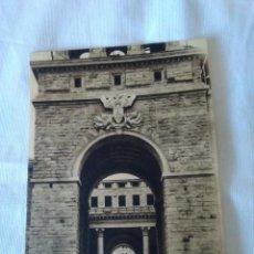 Postales: 18-TARJETA POSTAL ORIGINAL ENTRADA PRINCIPAL UNIVERSIDAD LABORAL , GIJON. Lote 170885990