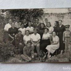 Postales: POSTAL FOTOGRAFICA BARCIA LUARCA GOMEZ MILITARES 1937 GUERRA CIVIL CINTURONES. Lote 170980472