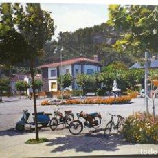 Postales: POSTAL SALINAS - PL.NIÑO E LA OLA .- MOTO VESPA ESCRITA. Lote 179076632