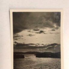 Postales: GIJÓN. POSTAL NO.14, PUERTO. EFECTO DE LUZ. EDITA: L. ROISIN FOTÓGRAFO (A.1933) ESCRITA. Lote 183863250