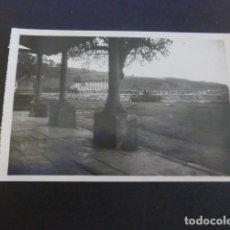 Postales: LUANCO ASTURIAS PASEO DEL CABILDO Y MONUMENTO DE D. MARIANO S. POLA POSTAL FOTOGRAFICA. Lote 190142687
