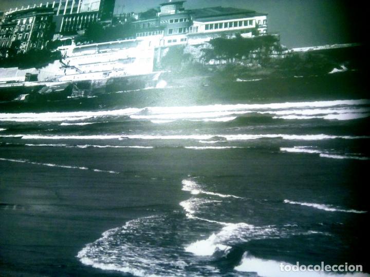 Postales: Dos Vistas de Gijón. El puerto antiguo y playa San Lorenzo. 49 cm por 23 cm. Una verde otra sepia. - Foto 11 - 205611052