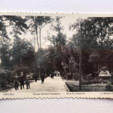 Postales: OVIEDO POSTAL NO.8, PARQUE DE SAN FRANCISCO, EDIC. FOTO L. ROISIN (H.1950?) S/C, TROQUELADA. Lote 211889380