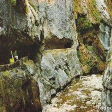 Postales: PICOS DE EUROPA, GARGANTA DEL CARES CERCA DE CAIN - FOTO BUSTAMANTE GIF Nº60 - EDITADA EN 1968 - S/C. Lote 222136668