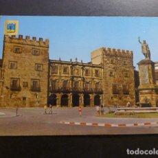 Postales: GIJON ASTURIAS MONUMENTO A D. PELAYO Y PALACIO. Lote 227774910