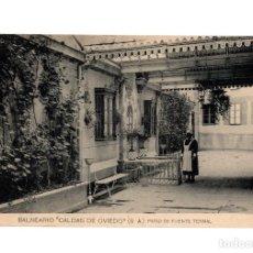 Postales: CALDAS DE OVIEDO.(ASTURIAS).- BALNEARIO. GRAN HOTEL. PATIO DE FUENTE TERMAL.. Lote 232483550