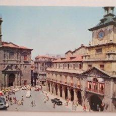 Postales: OVIEDO - IGLESIA DE SAN ISIDORO - RENAULT 4 L - LAXC - P57930. Lote 278295433