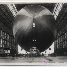 Postales: GRAF ZEPPELIN. POSTAL FOTOGRÁFICA. FECHADO EN 1937. CON TAMPÓN ROJO DE FRANQUEO DEL GRAF ZEPPELIN. Lote 19290404