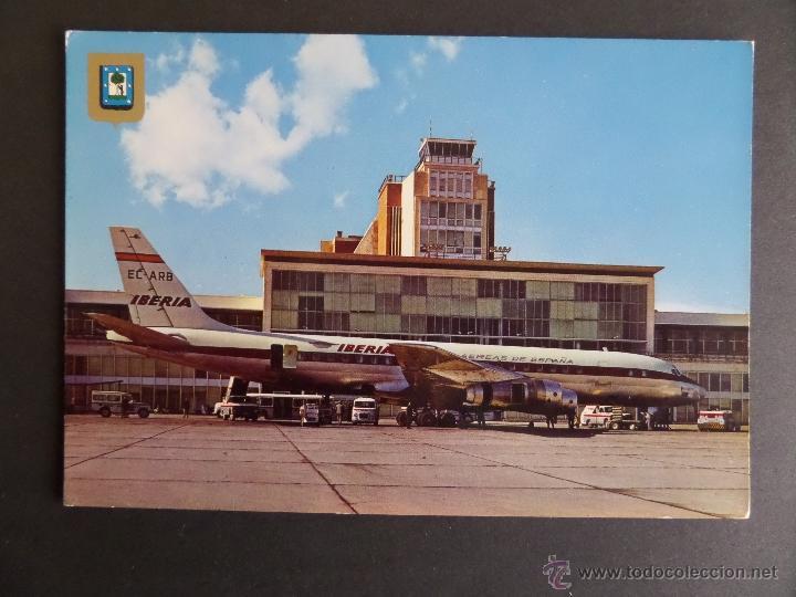 AVIÓN EN ANTIGUO AEROPUERTO DE BARAJAS (MADRID). AÑO 1975 (Postales - Postales Temáticas - Aeroplanos, Zeppelines y Globos)
