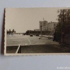 Postales: FOTOGRAFIA ANTIGUA DE LOS AÑOS 50 DE AVION DEL AEROPUERTO DE FRANKFURT (ALEMANIA).. Lote 67089489