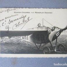 Postales: POSTAL POSTALE. GASTON COLOMBEL SUR MONOPLAN NIEUPORT. 1911 CON LA FIRMA ORIGINAL DEL PILOTO. Lote 120878959