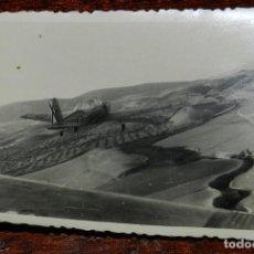 Postales: FOTOGRAFIA DE AVION DEL EJERCITO ESPAÑOL, ESCRITA POR EL REVERSO, MIDE 10,5 X 8 CMS.. Lote 124647287