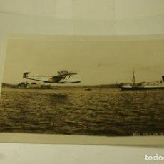 Postales: RARA HIDROAVION DORNIER EN A CORUÑA FOTOGRAFICA 1930 CON BARCO. Lote 148902766
