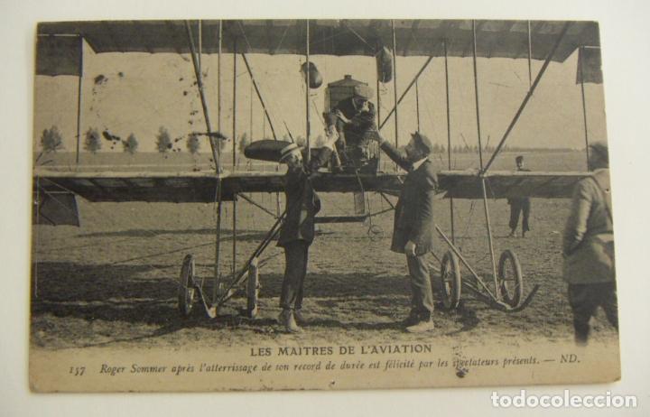 PIONEROS DE LA AVIACION ROGER SOMMER DESPUES DE ATERRIZAR ORIGINAL (Postales - Postales Temáticas - Aeroplanos, Zeppelines y Globos)
