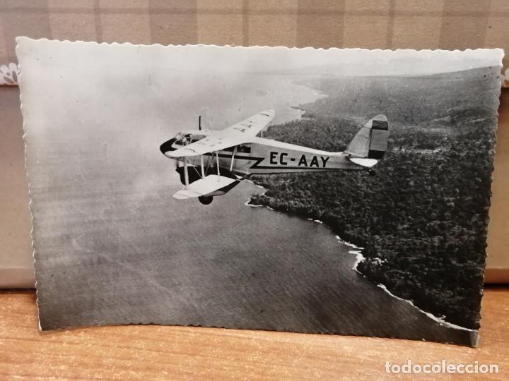 FOTO POSTAL AVIÓN SOBREVOLANDO DRAGÓN, LÍNEA SANTA ISABEL-BATA. FERNANDO PÓO. SIN CIRCULAR. Nº 61 (Postales - Postales Temáticas - Aeroplanos, Zeppelines y Globos)