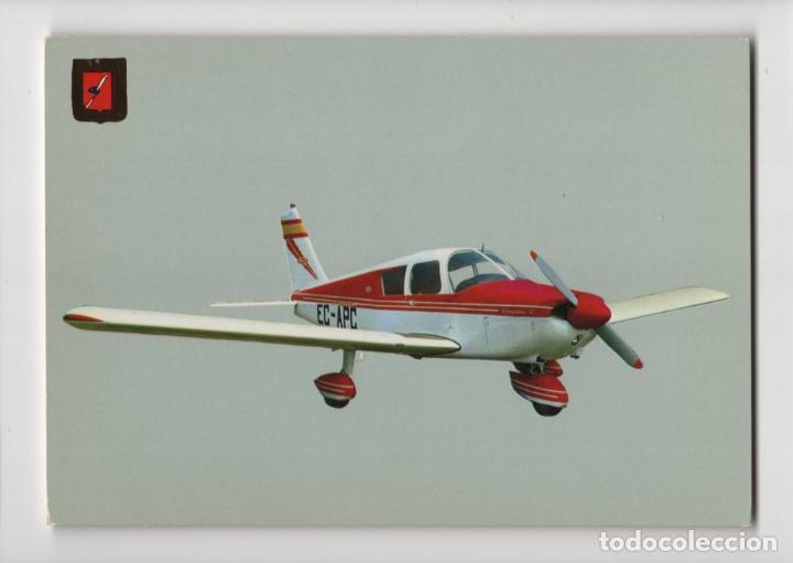 Nº 9 AVIONETAS DEPORTIVAS · PIPER PA 28 CHEROKEE C -ESCUDO DE ORO- (Postales - Postales Temáticas - Aeroplanos, Zeppelines y Globos)