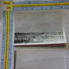 Postales: 2 FOTOS FOTOGRAFÍAS. AÑOS 50 60. AEROPUERTO DE MADRID BARAJAS?. 3368. Lote 243584670