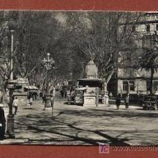 Postales: PALMA DE MALLORCA. 2076. LA GLORIETA Y PASEO GENERALÍSIMO (CON GUARDIA URBANO). FOTO CASA PLANAS. Lote 27603399