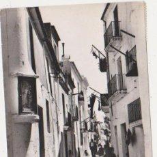Postales: IBIZA CIUDAD CALLE TIPICA,FOTO CASA PLANAS 1960 DISTRIBUCION CASA FIGUERETAS. Lote 25449076