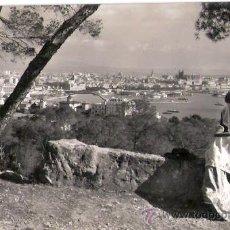 Postales: TARJETA POSTAL. PALMA DE MALLORCA. VISTA DESDE EL BOSQUE DE BELLVER. Nº 2142. FOTO CASA PLANAS.. Lote 26506361
