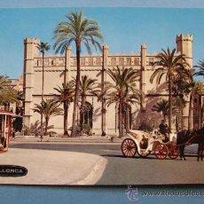 Postales: POSTAL DE MALLORCA, ISLAS BALEARES. AÑO 1970. PALMA, LA LONJA, COCHE CABALLOS 241. . Lote 32476978