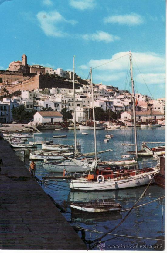 POSTAL. IBIZA. EMBARCADERO Y CIUDAD ANTIGUA AL FONDO. ISLAS BALEARES. ESPAÑA. (Postales - España - Baleares Moderna (desde 1.940))